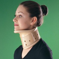 kolnierz ortopedyczny sztywny jednoczesciowy